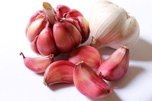Garlic is one of the natural ways to reduce high blood pressure
