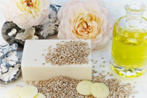Cold preesed sesame oil is extremely beneficial to skin health