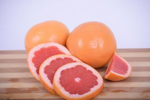 Grapefruit lowers the cholesterol levels