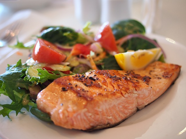 Food with proteins for fat burning